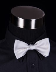 vaaleanharmaa-rusetti-matex-jalleenmyyja-turku-miesten-pukeutuminen-mirri-solmuke-asuste-bow-tie-mirrikauppa