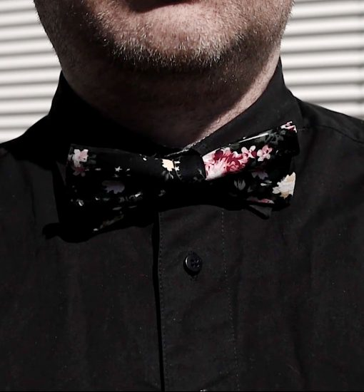 kesarusetti-kesakravatti-kravatti-taskuliina-miesten-pukeutuminen-rusetti-mirri-solmuke-asuste-bow-tie-mirrikauppa-rusetit-netista